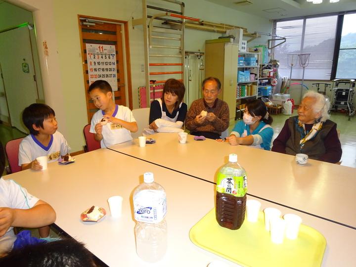 http://chibu-shakyo.sakura.ne.jp/assets_c/2015/12/DSC01220-thumb-720xauto-147.jpg